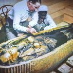 expo-paris-Toutankhamon-archeologue-Howard-Carter-sarcophage